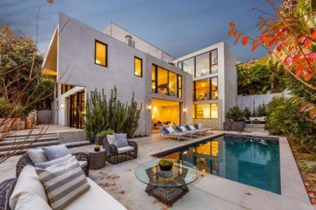 kendall-jenner-emily-blunt-john-krasinski-house-mansion-home-27-640x426